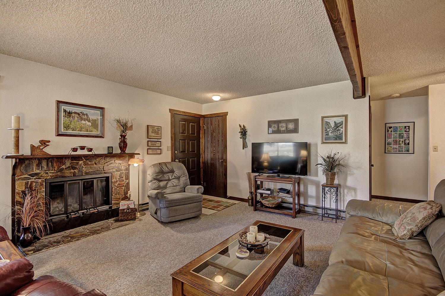 Condominium for Sale at Summit Point 16 Share 3414 Ryan Gulch Road Silverthorne, Colorado 80498 United States