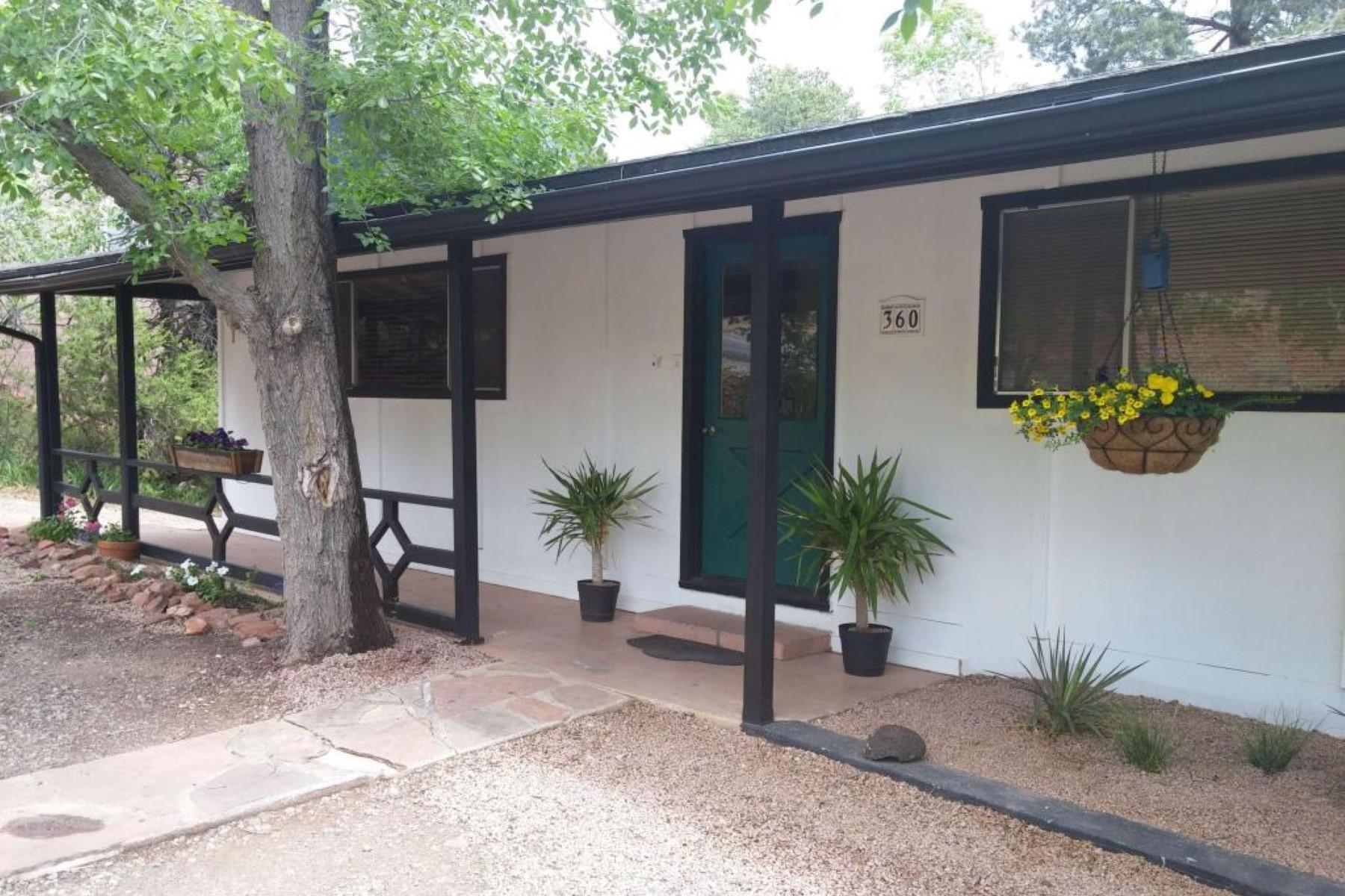 一戸建て のために 売買 アット A charming, ''cottage-like'' home. 360 Coffee Pot Drive Sedona, アリゾナ 86336 アメリカ合衆国