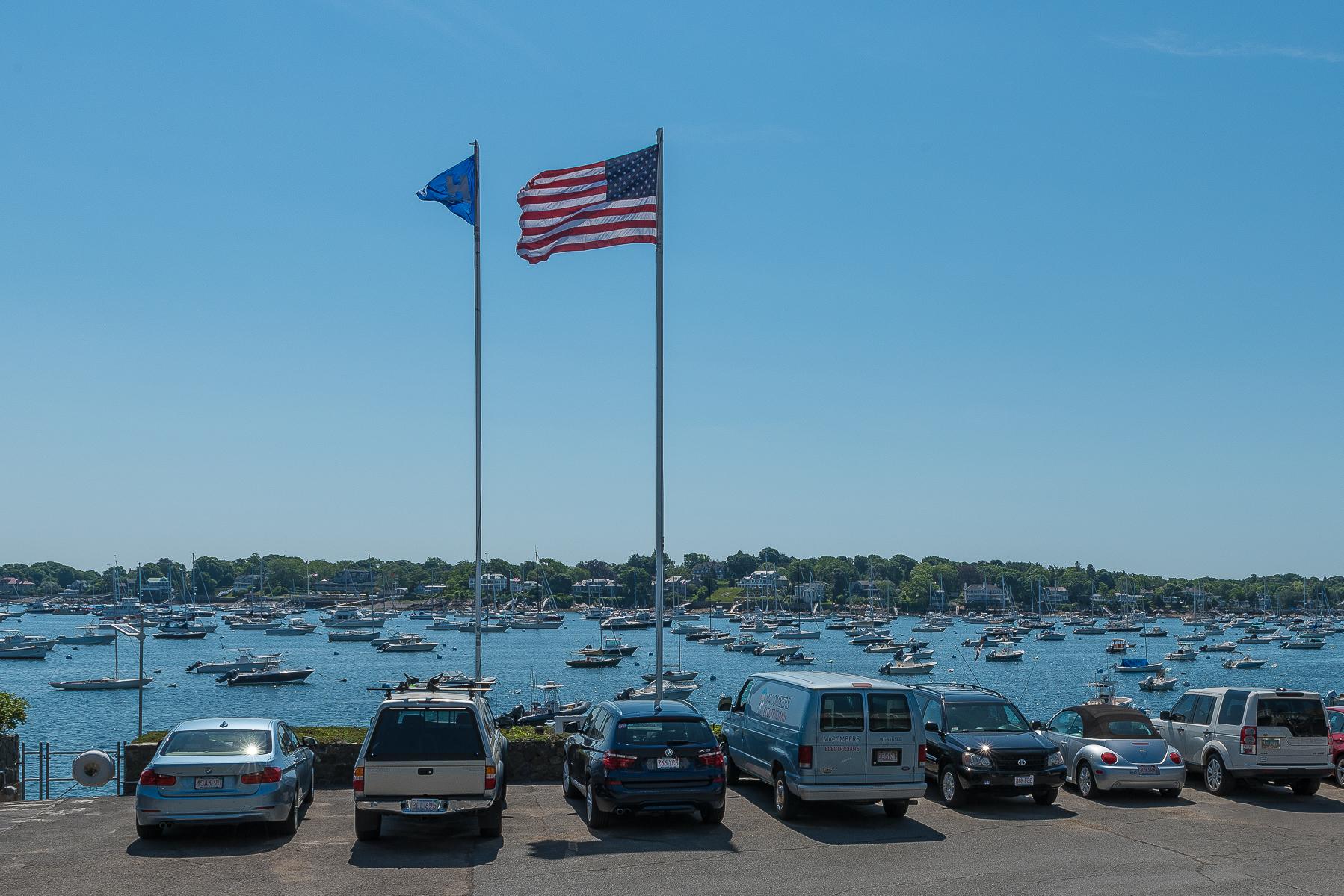 共管式独立产权公寓 为 销售 在 Meticulously Redesigned Harbor Front Condominium 24 Lee Street 马布尔黑德, 马萨诸塞州, 01945 美国