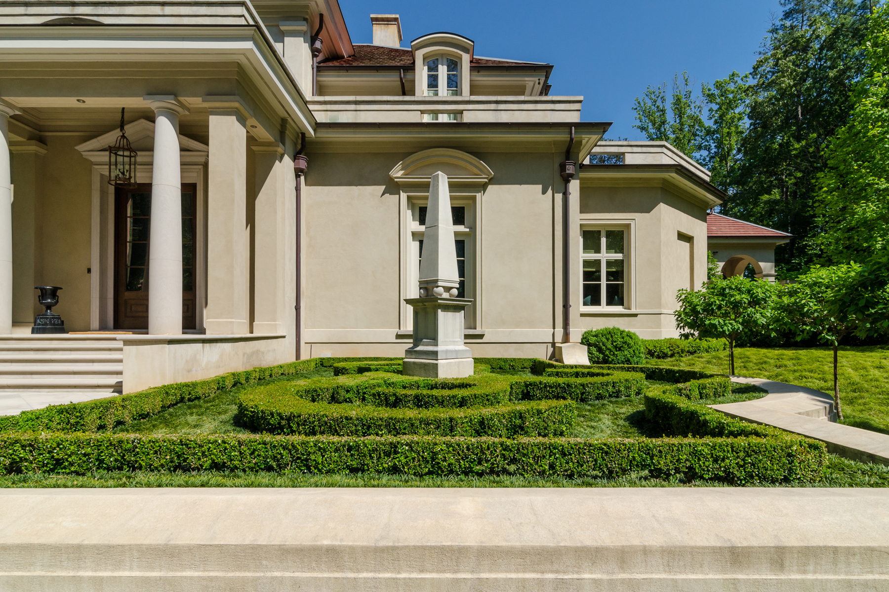 Additional photo for property listing at Gated Italianate Estate In Buckhead 4327 E Conway Drive NW Atlanta, Geórgia 30327 Estados Unidos