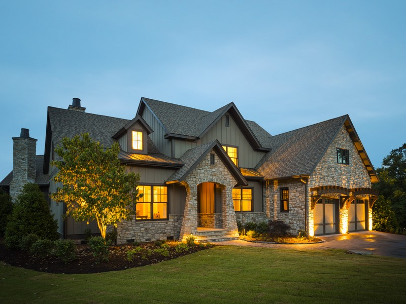 Villa per Vendita alle ore Southern Living Showcase Home! 703 Hemlock Court The Cliffs At Keowee Falls, Salem, Carolina Del Sud 29676 Stati Uniti