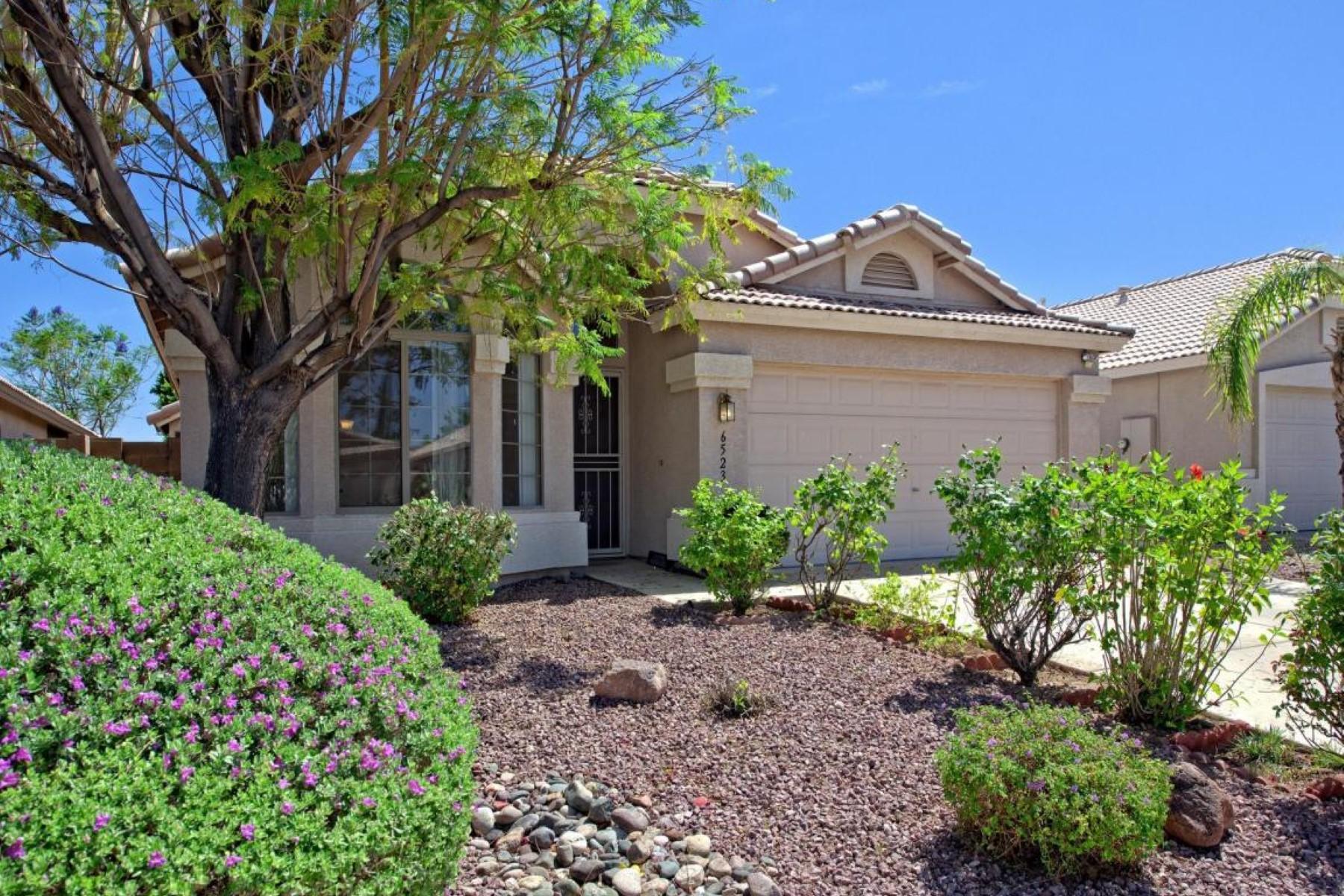 独户住宅 为 销售 在 Charming home in the desirable neighborhood of Entrada 6523 W Saddlehorn Rd 菲尼克斯(凤凰城), 亚利桑那州, 85083 美国