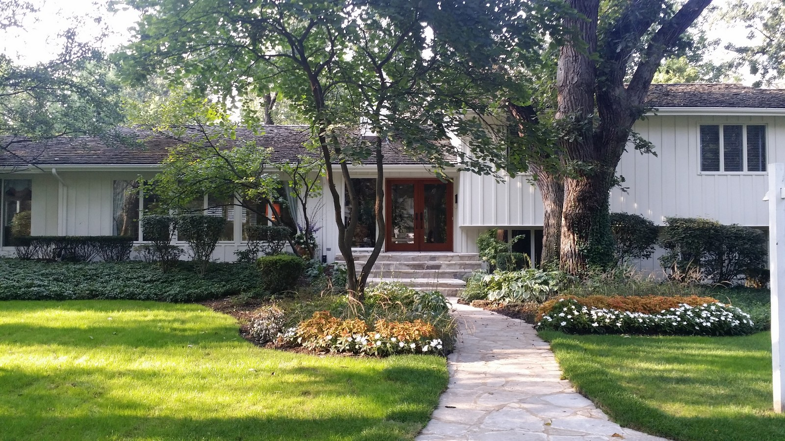 Single Family Home for Sale at 511 E. Third St. 511 E Third St Hinsdale, Illinois 60521 United States
