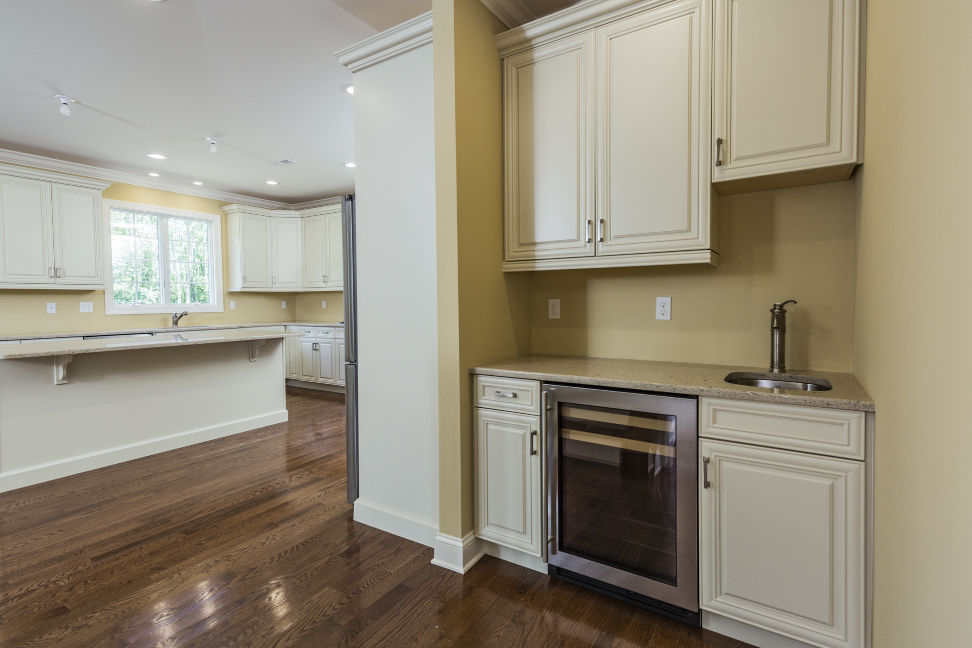 Additional photo for property listing at Prepare To Be Impressed 1 Coach Lane Hopewell, Нью-Джерси 08530 Соединенные Штаты