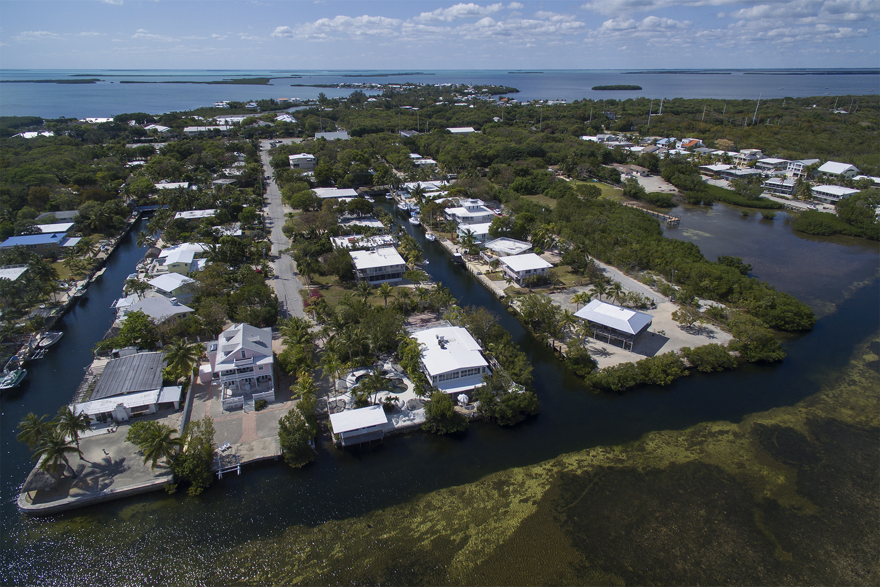 Additional photo for property listing at Private Gated Estate 1127 Grand Street Key Largo, Florida 33037 Amerika Birleşik Devletleri
