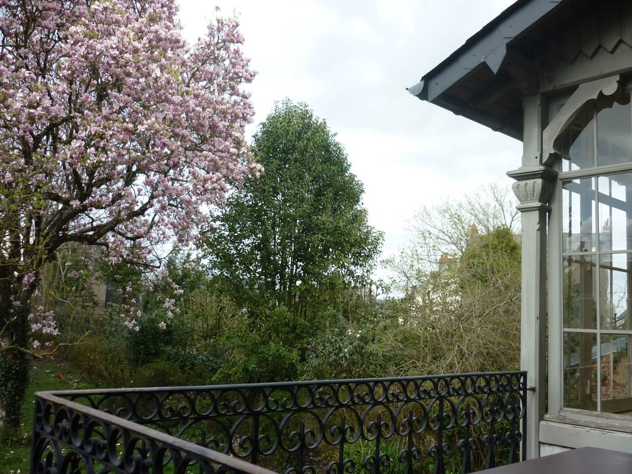 Villa per Vendita alle ore BEAUCOUP DE CACHET POUR CETTE BELLE MAISON DE CARACTERE Nantes, Paesi Della Loira 44000 Francia