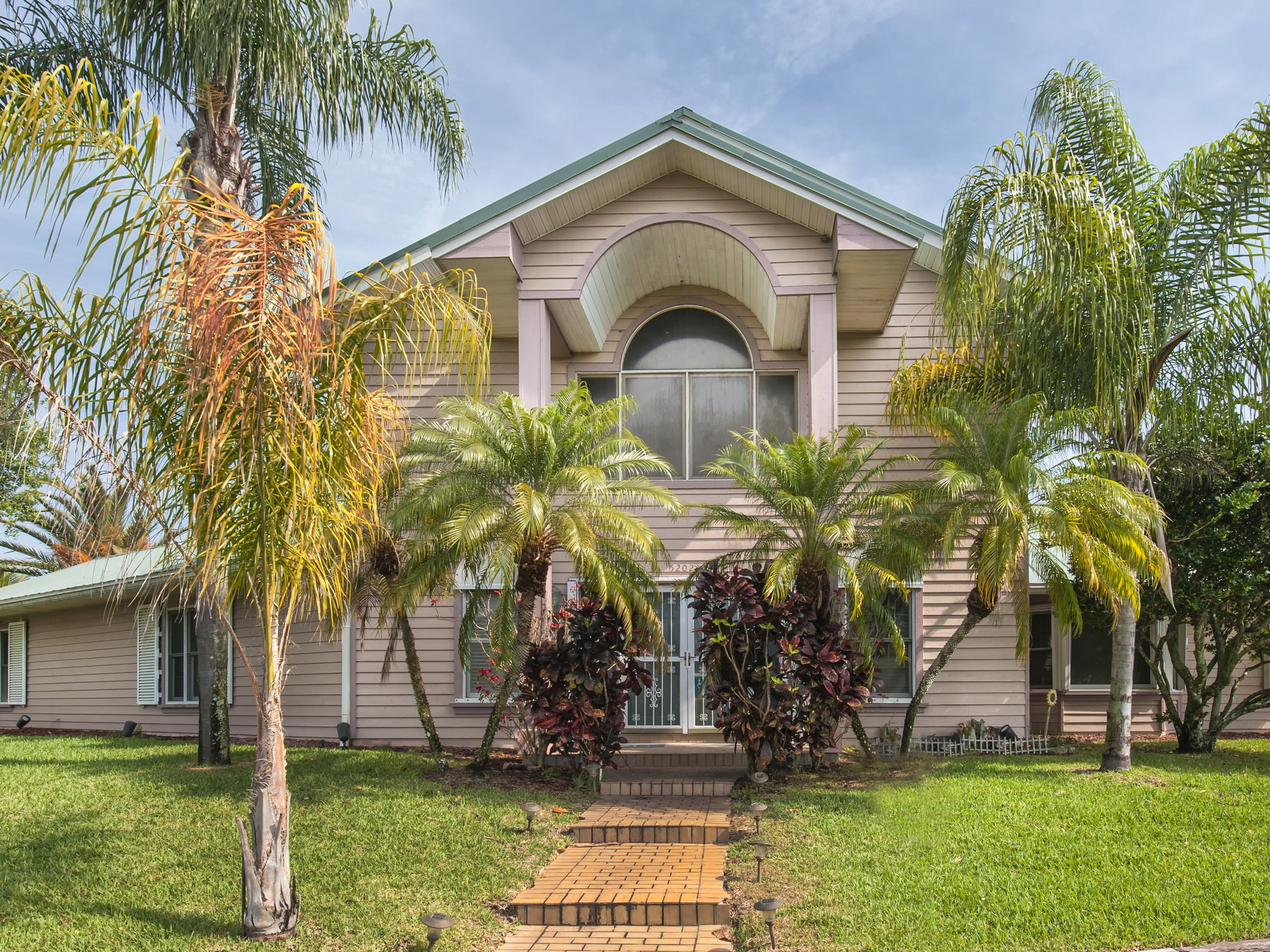 Villa per Vendita alle ore Gorgeous Waterfront Pool Home 5280 93rd Lane Sebastian, Florida 32958 Stati Uniti
