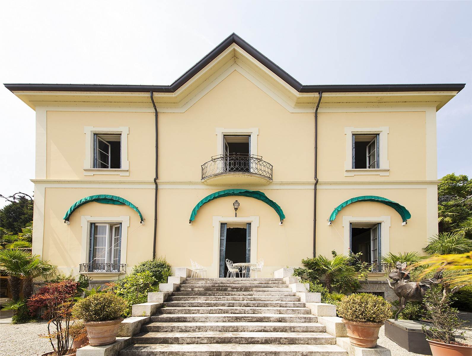 Property For Sale at Elegant historic villa overlooking the Lake of Como