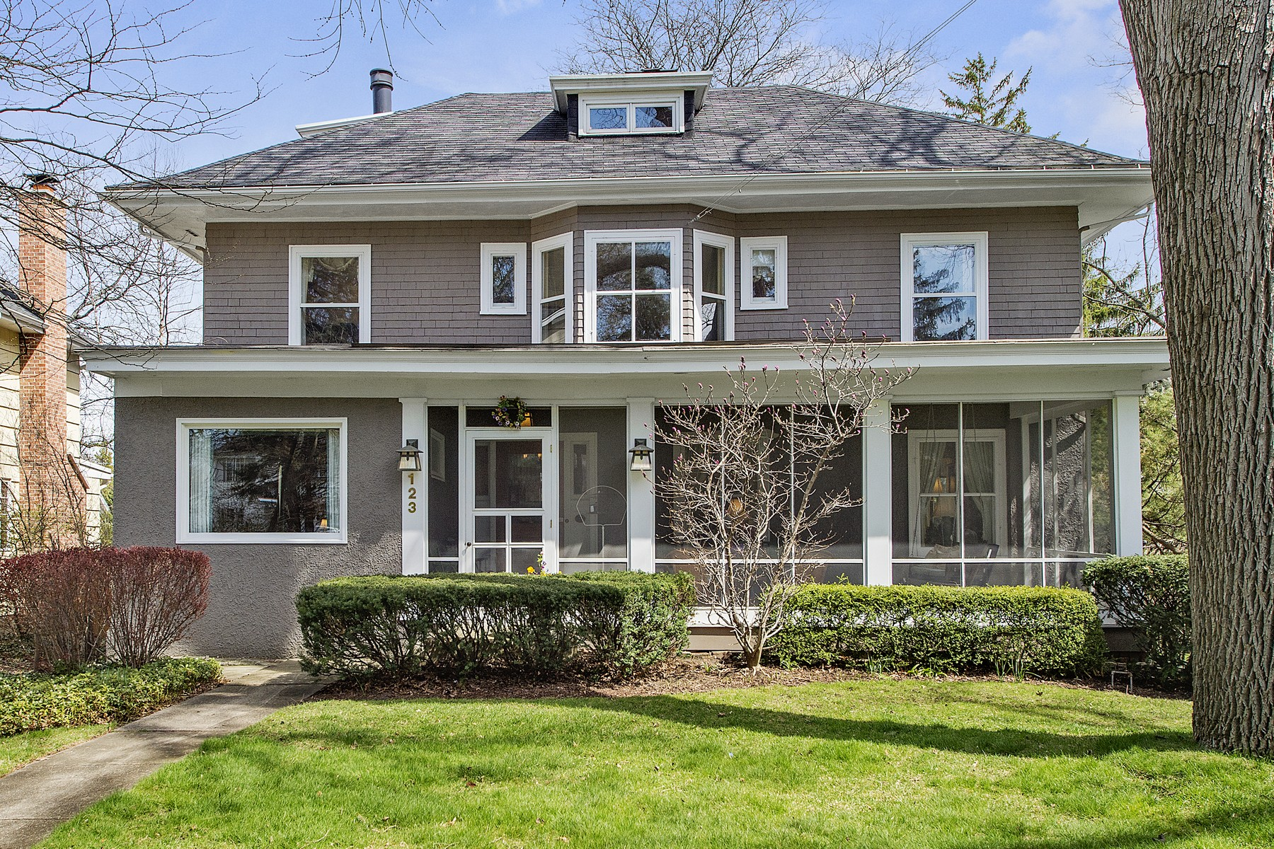 Single Family Home for Sale at 123 N. Washington Hinsdale, Illinois, 60521 United States