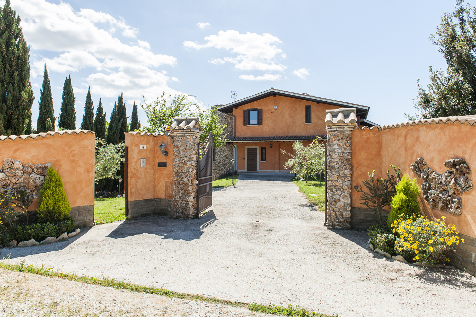 Additional photo for property listing at Country villa in Cerveteri Cerveteri, Rome Italy