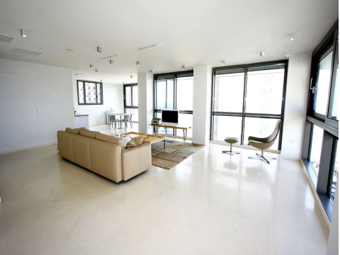 Additional photo for property listing at Tel Aviv Luxurious Duplex Penthouse Tel Aviv, Israel Israel