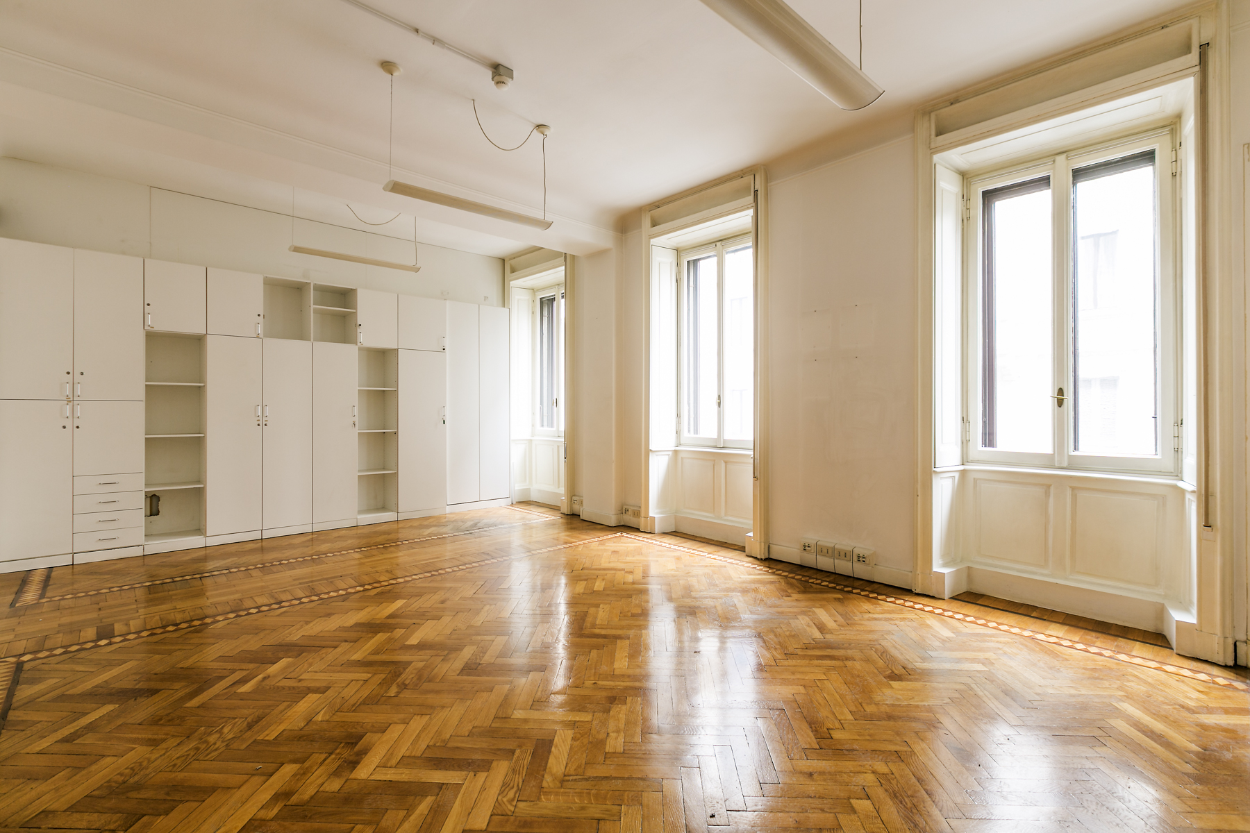 Property For Sale at Exclusive office in rental in center Milan