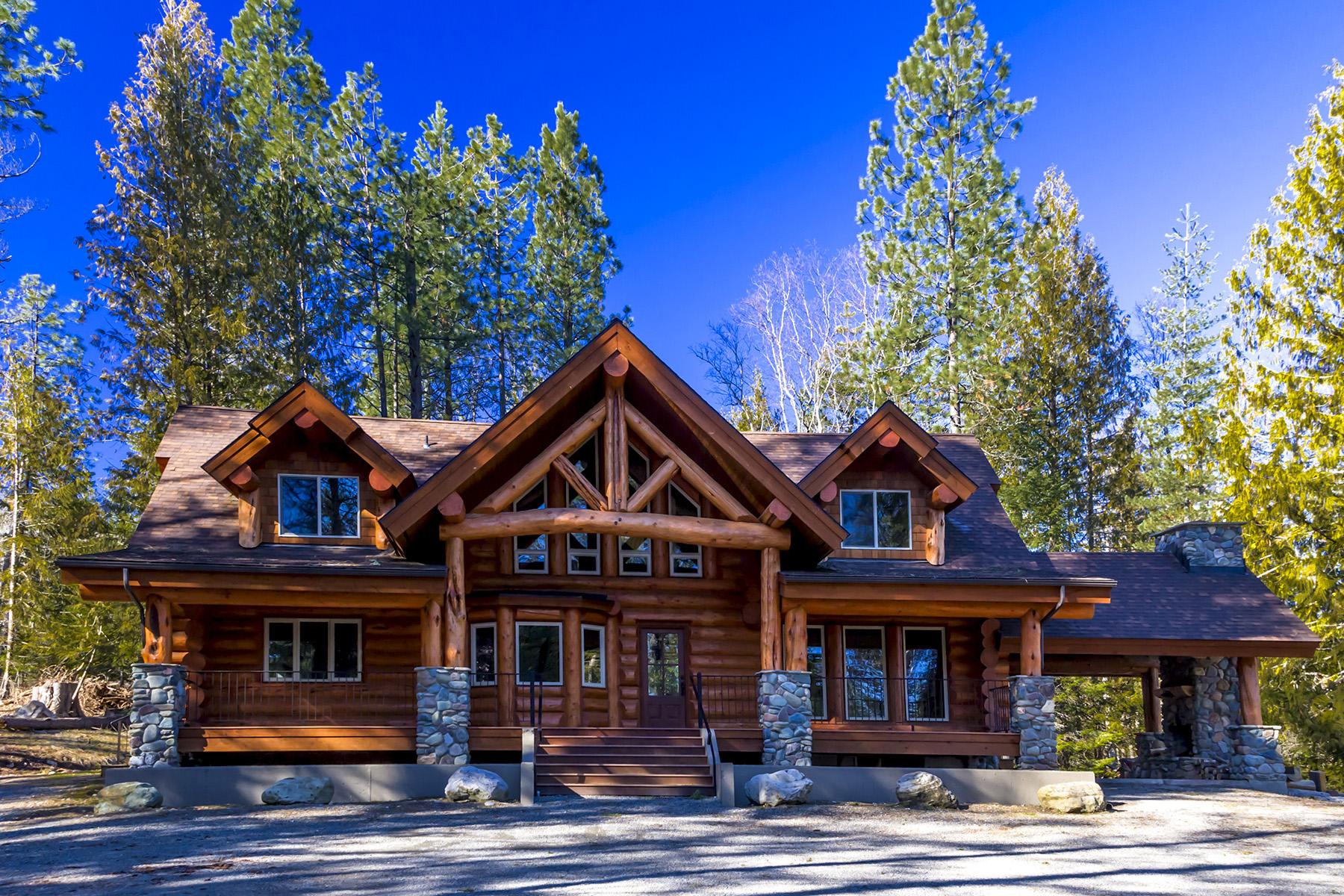 Maison unifamiliale pour l Vente à Yellowstone Log Home 262 Indian Meadows Road Sandpoint, Idaho 83864 États-Unis