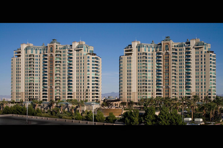 Nhà ở một gia đình vì Bán tại 9103 Alta Dr #1107 Las Vegas, Nevada 89145 Hoa Kỳ