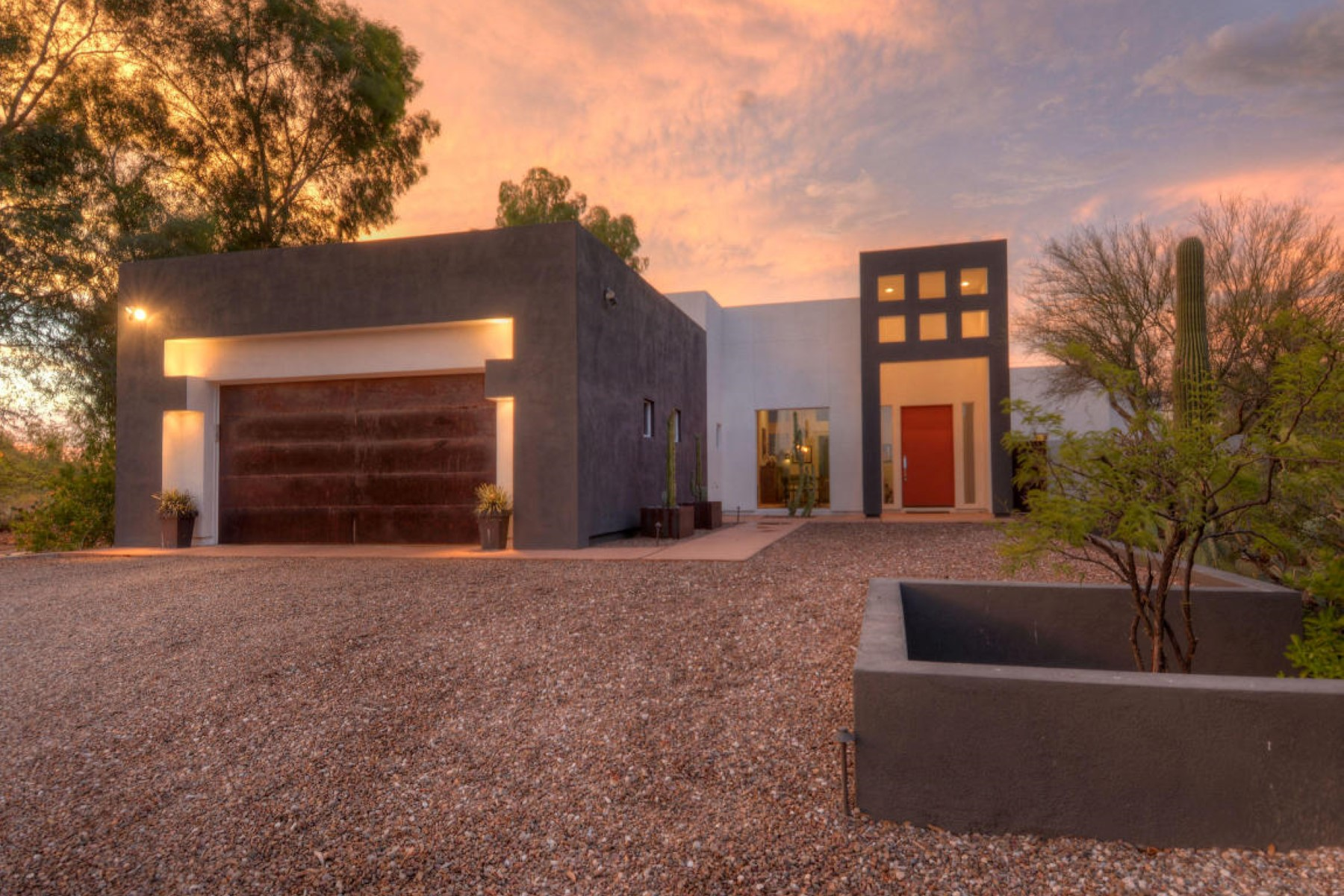 Single Family Home for Sale at Wonderful combination of architecture and design 6886 N Casas Adobes Drive Tucson, Arizona 85718 United States
