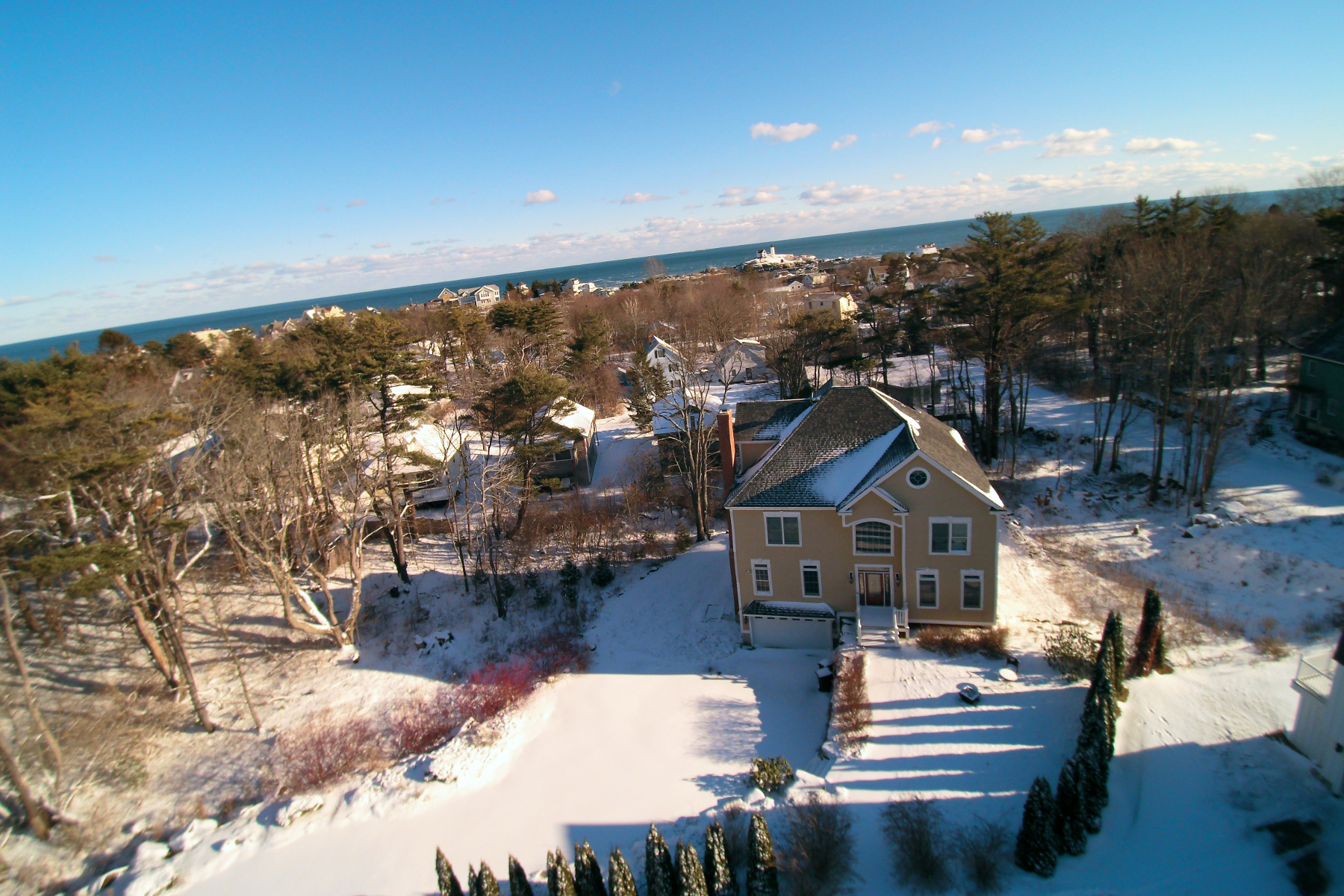 Single Family Home for Sale at Grand Nubble Residence with 1 Bedroom Apartment 8 Harrison Avenue York, Maine, 03909 United States