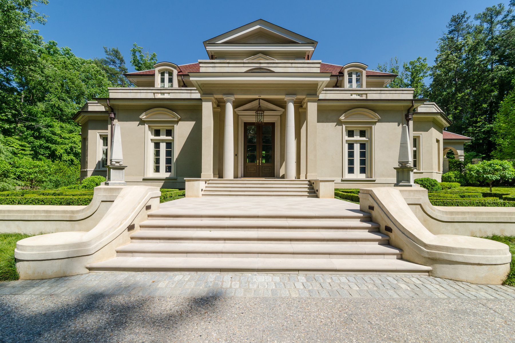 Additional photo for property listing at Gated Italianate Estate In Buckhead 4327 E Conway Drive NW Atlanta, Georgia 30327 États-Unis
