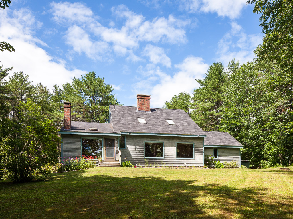 Çok Ailelik Ev için Satış at Gibson 52-56 William Glen Drive Camden, Maine 04843 Amerika Birleşik Devletleri