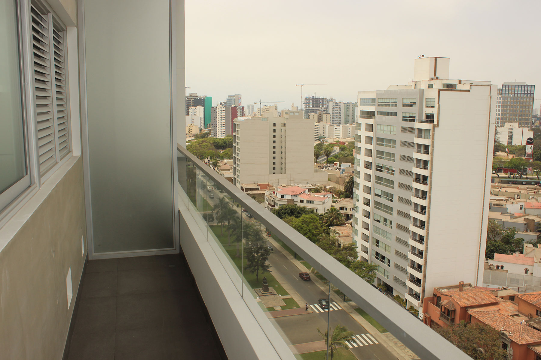Apartment for Rent at Departamento en edificio exclusivo con acabados de primera Calle Los Castaños esquina con Av. Javier Prado San Isidro, Lima, 27 Peru