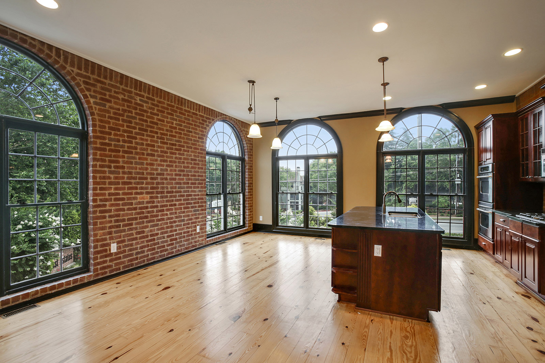 Townhouse for Sale at Stunning move in ready townhome inside the perimeter. 5512 Glenridge Drive Unit A Sandy Springs, Georgia, 30342 United States