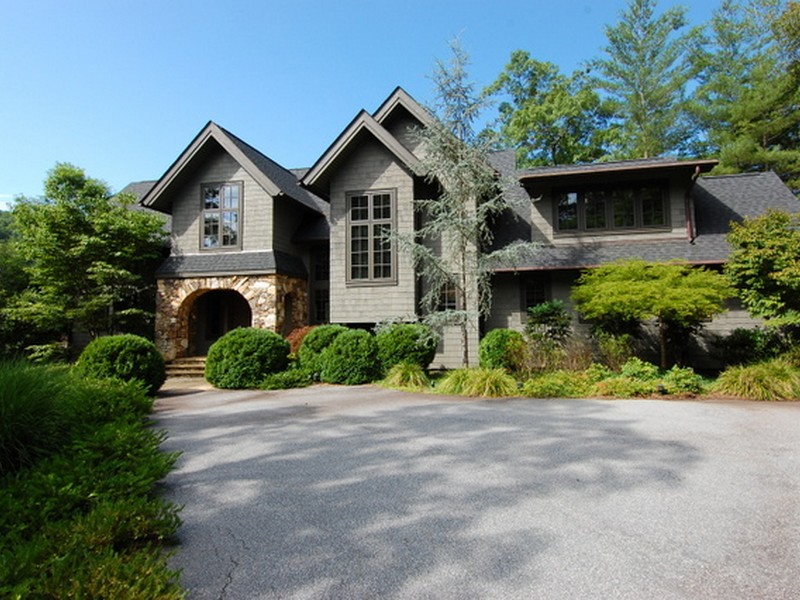 Single Family Home for Sale at Quintessential Lakehouse 108 Elderberry Way The Cliffs At Keowee Vineyards, Sunset, South Carolina 29685 United States