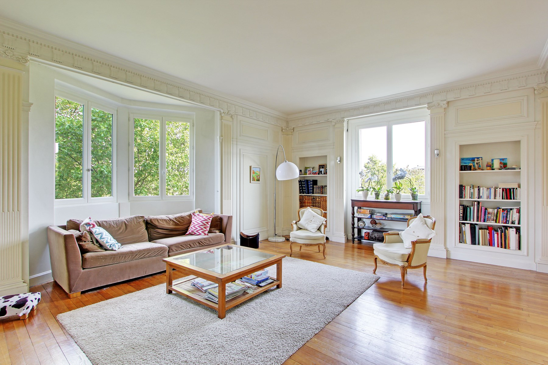 Apartment for Sale at Apartment - Chateau Neuilly, Ile-De-France 92200 France