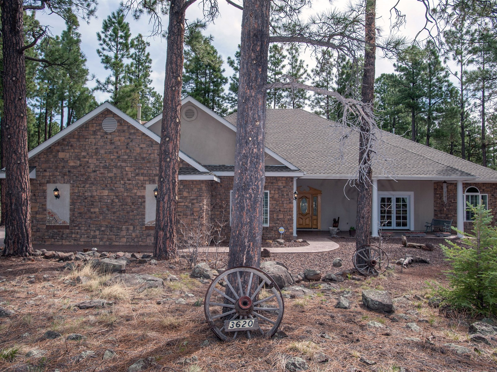 Moradia para Venda às Gorgeous Single Level Home 3620 N Langdale TRL Flagstaff, Arizona 86001 Estados Unidos