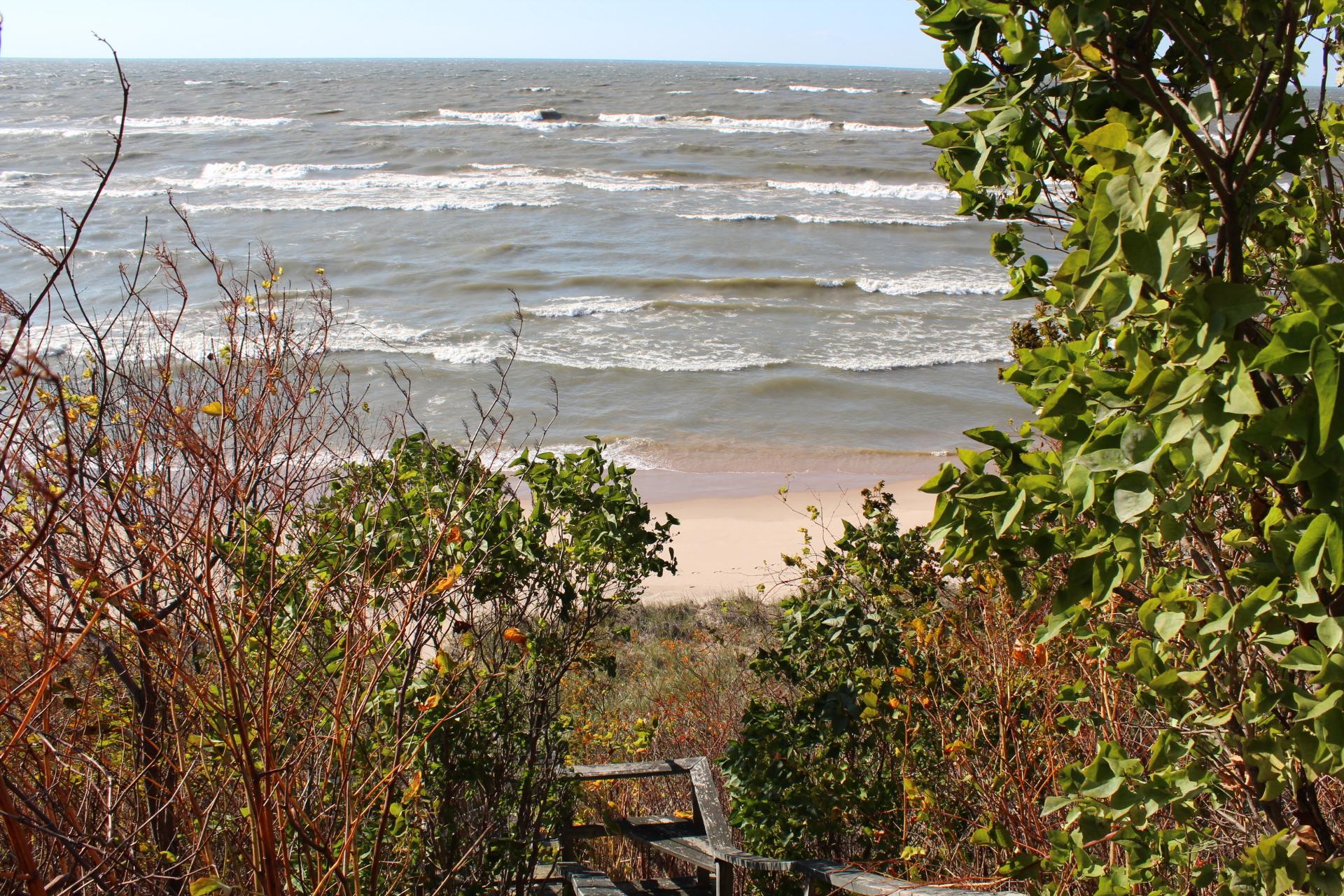 土地 为 销售 在 Beachfront views building site 420 Crest Drive 霍德兰, 密歇根州, 49424 美国