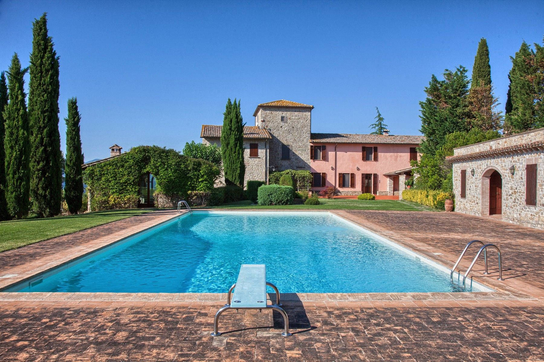Single Family Home for Sale at Magnificent country house with vineyard on the hills of Todi Todi, Italy