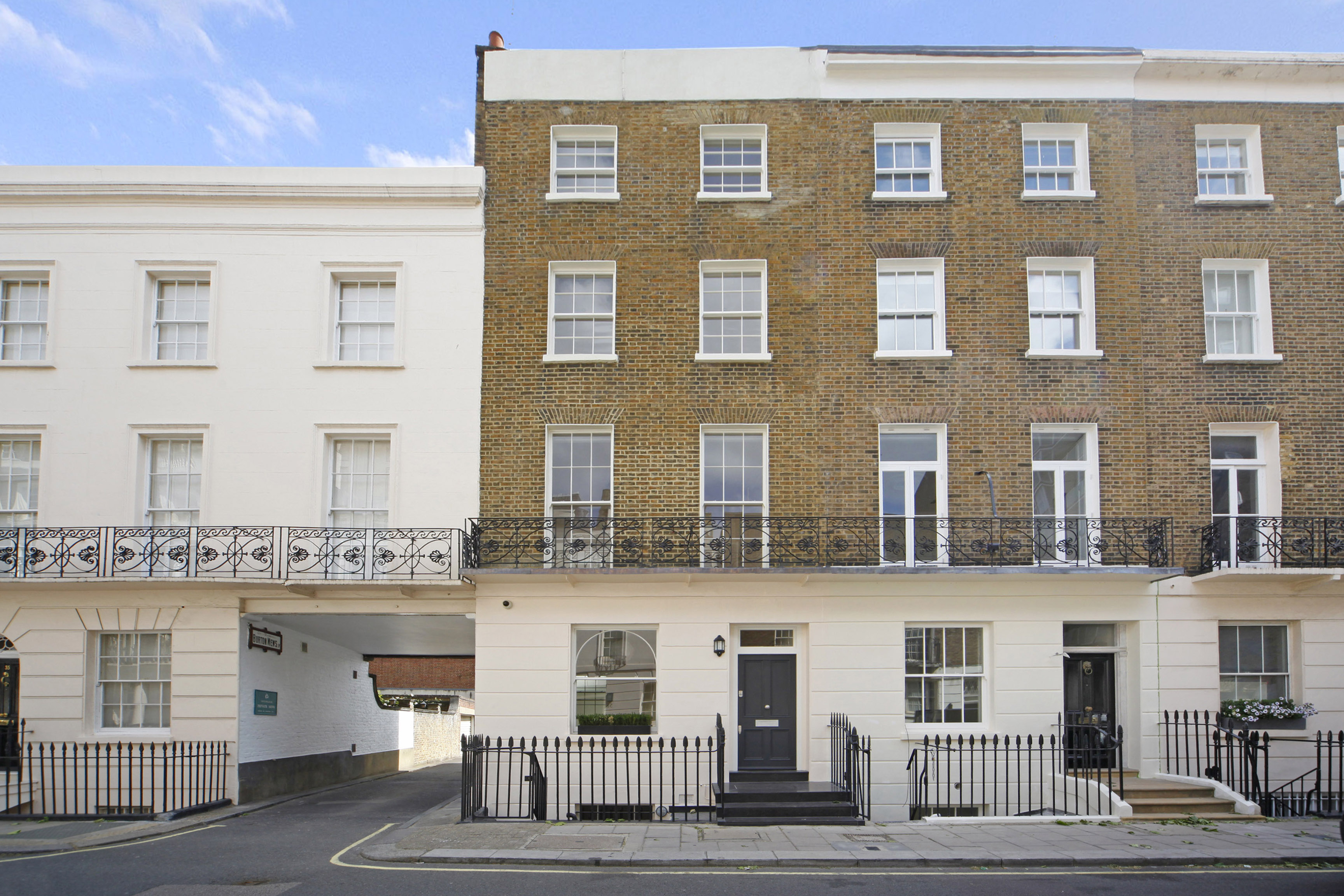 独户住宅 为 销售 在 South Eaton Place South Eaton Place Belgravia London, 英格兰 SW1W9EL 英国