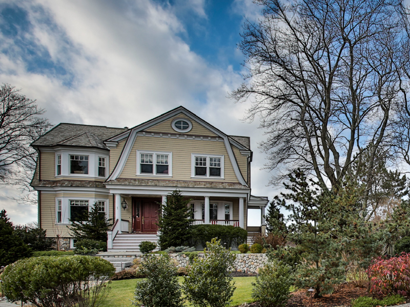 Einfamilienhaus für Verkauf beim Ultimate Waterfront Living 1 Sargent Road Marblehead, Massachusetts 01945 Vereinigte Staaten