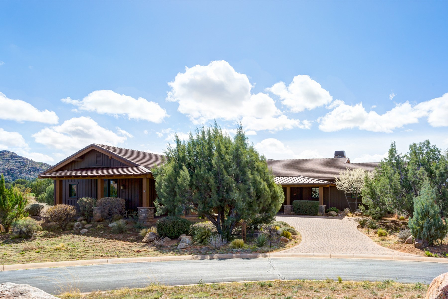 Single Family Home for Sale at Highly upgraded Home bordering the 6th hole at Talking Rock Ranch 14821 N Dragons Breath Lane Prescott, Arizona, 86305 United States