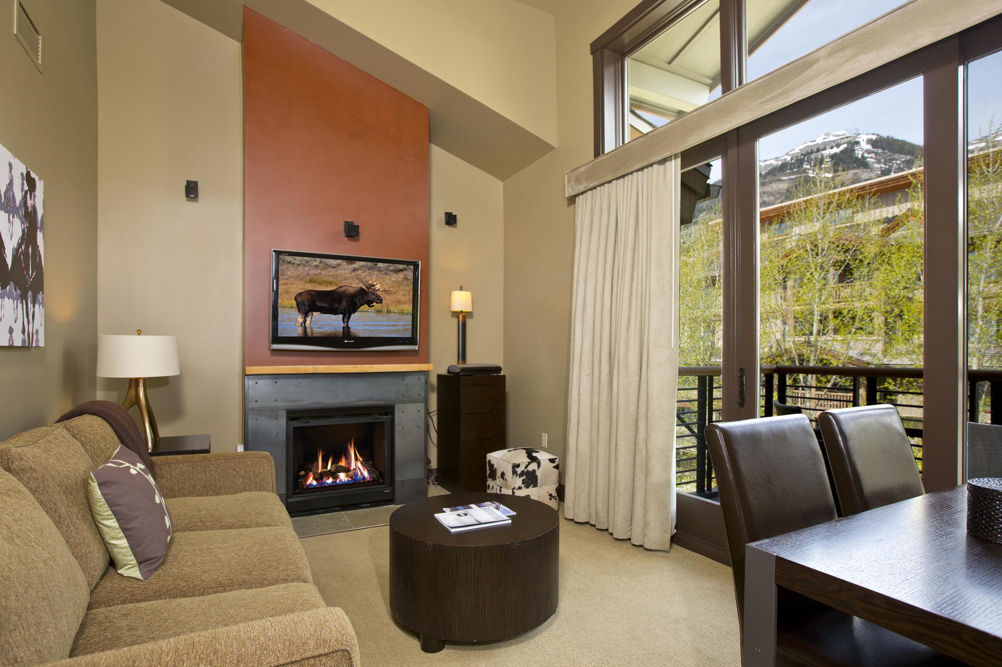 Piso por un Venta en Penthouse Condominium in Hotel Terra 3335 W. Village Drive, unit 522 Teton Village, Wyoming 83025 Estados Unidos