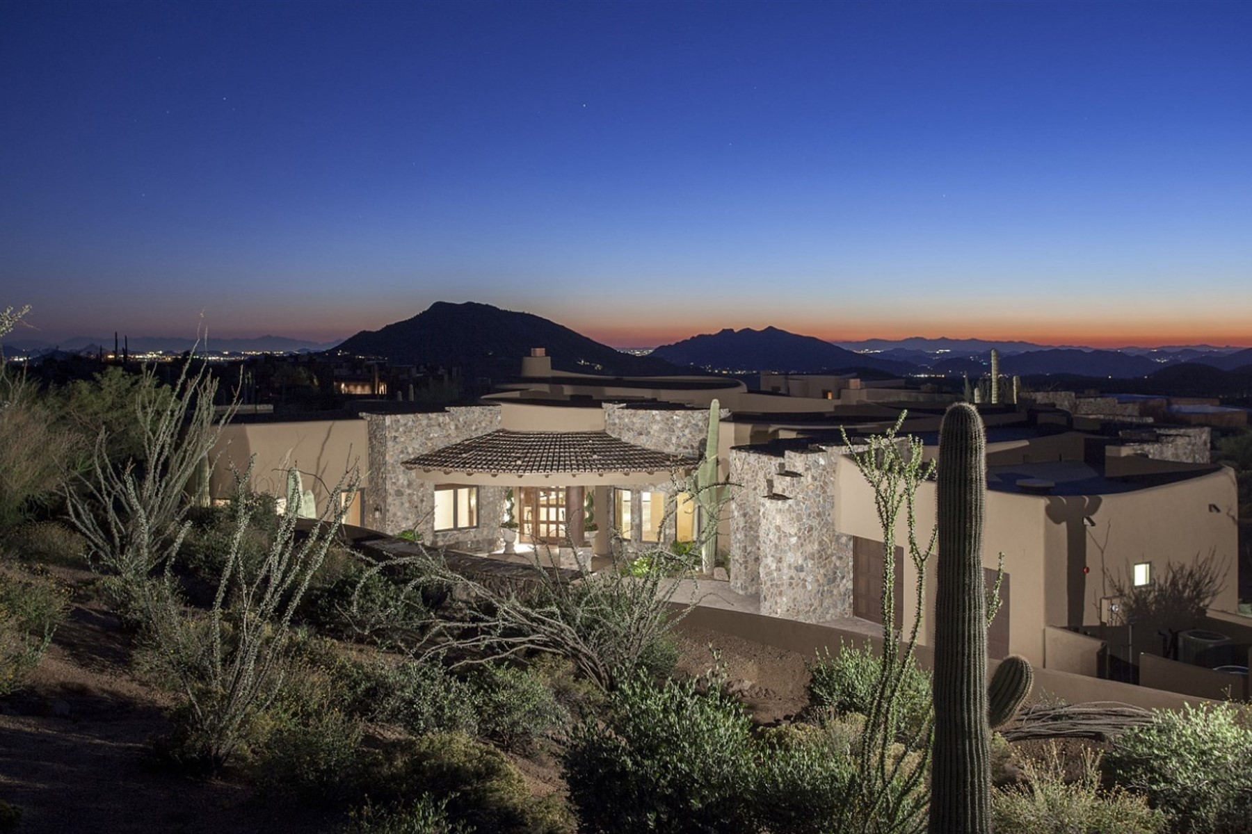 独户住宅 为 销售 在 Incredible Organic New Build In The Exclusive Desert Mountain Community 10233 N Relic Rock Rd Scottsdale, 亚利桑那州 85262 美国
