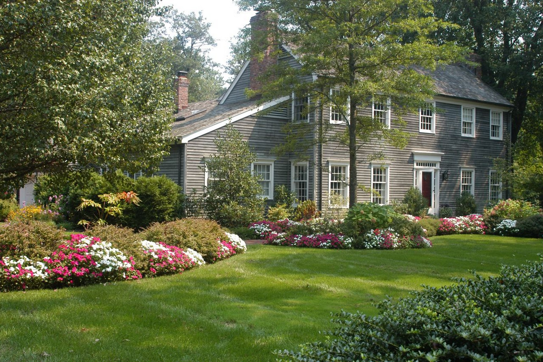 Einfamilienhaus für Verkauf beim Classic Colonial 5 Heathcliff Rd. Rumson, New Jersey 07760 Vereinigte Staaten