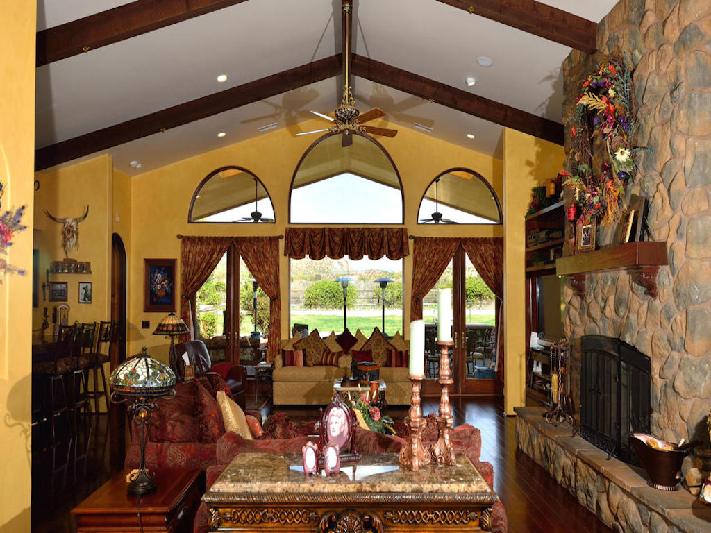 Single Family Home for Sale at Exquisite Horse Property 8550 N Big Dog Trail Rd Sedona, Arizona, 86336 United States