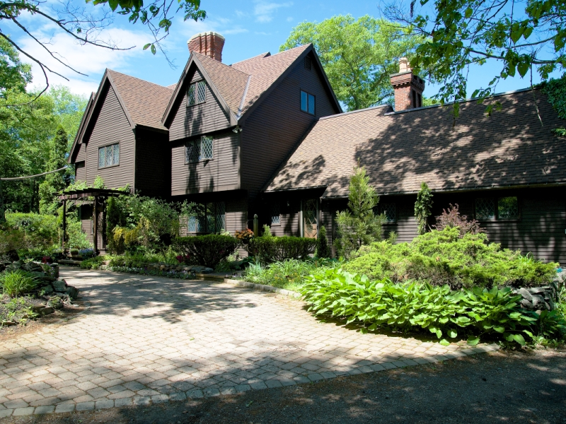 Property For Sale at Lakefront English Style Colonial