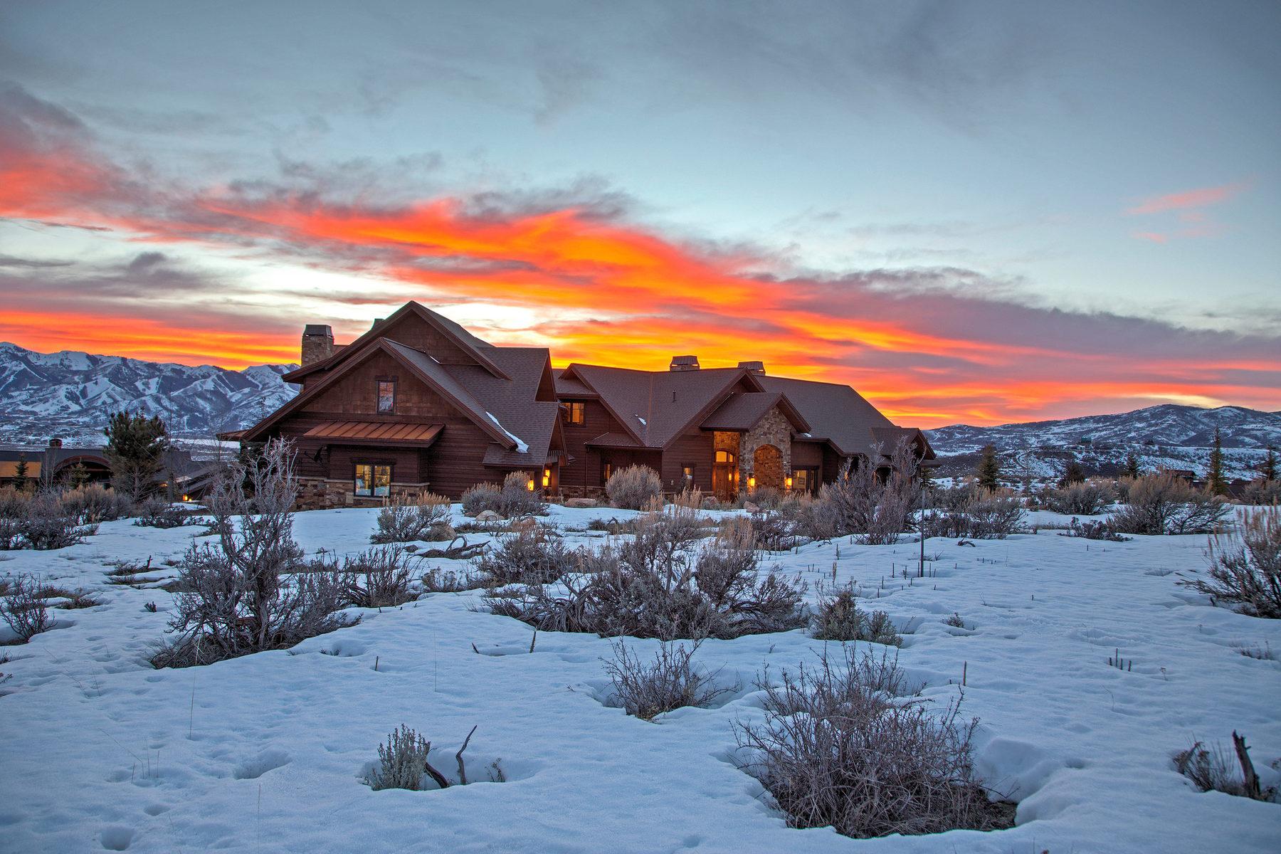 独户住宅 为 销售 在 Impeccable Living in Promontory with Expansive Ski Mountain Views 2624 E Cliff Rose Ct 帕克城, 犹他州, 84098 美国