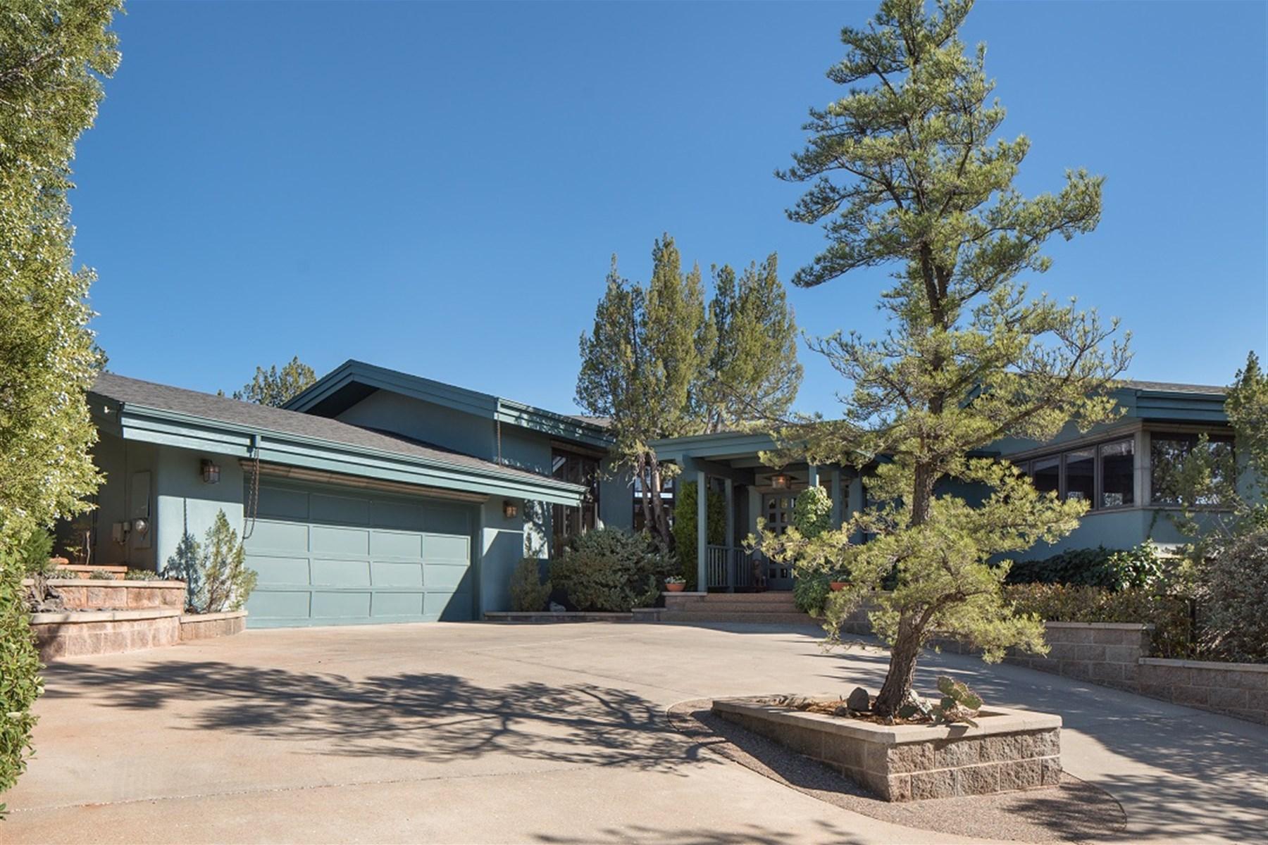 Single Family Home for Sale at Lovely home in Sedona 3223 Calle Del Montana Sedona, Arizona, 86336 United States