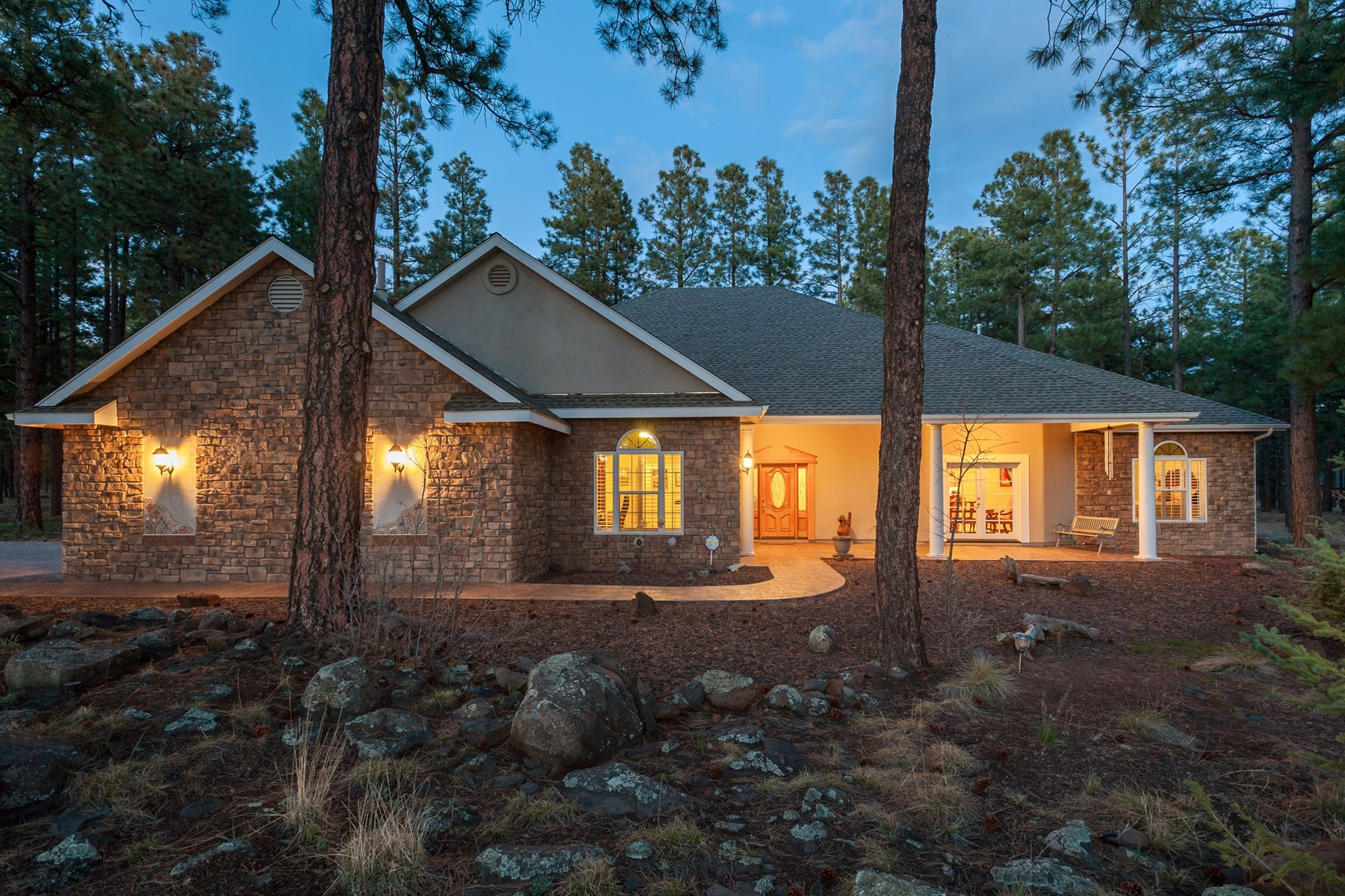 Maison unifamiliale pour l Vente à Gorgeous Single Level Home 3620 N Langdale TRL Flagstaff, Arizona, 86001 États-Unis