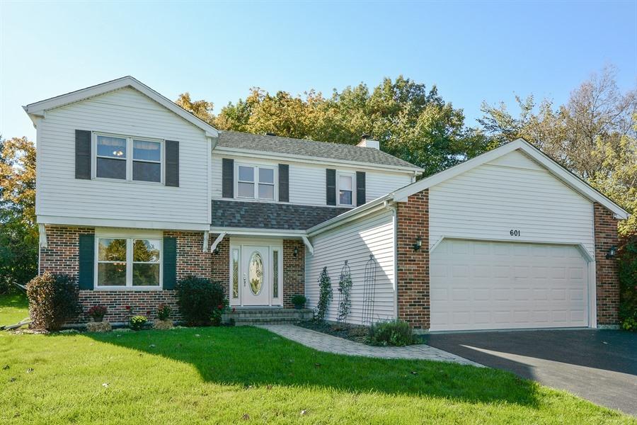 Tek Ailelik Ev için Satış at 601 Cortland 601 Cortland Drive Lake Zurich, Illinois, 60004 Amerika Birleşik Devletleri