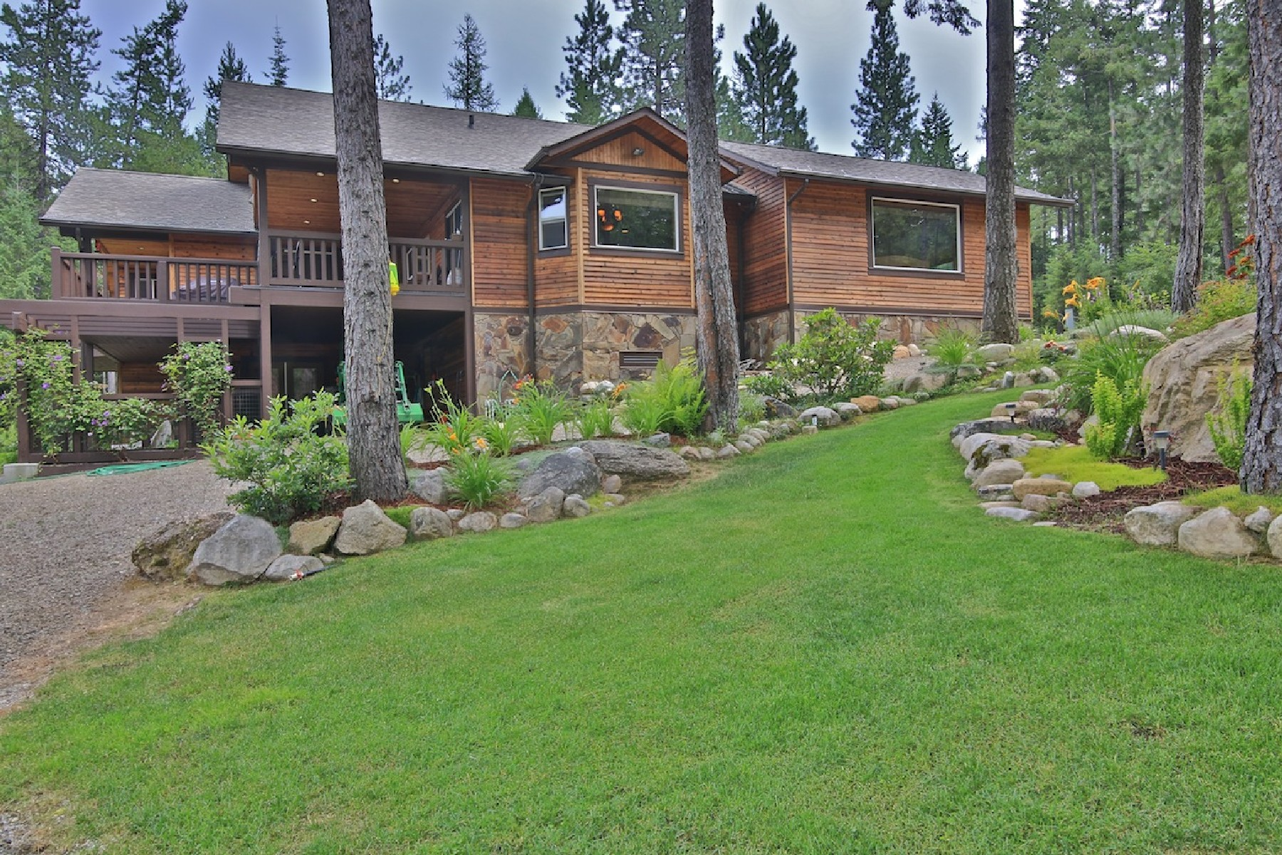 Single Family Home for Sale at Craftsman Style Luxury Home 760 Wood View Sandpoint, Idaho 83864 United States