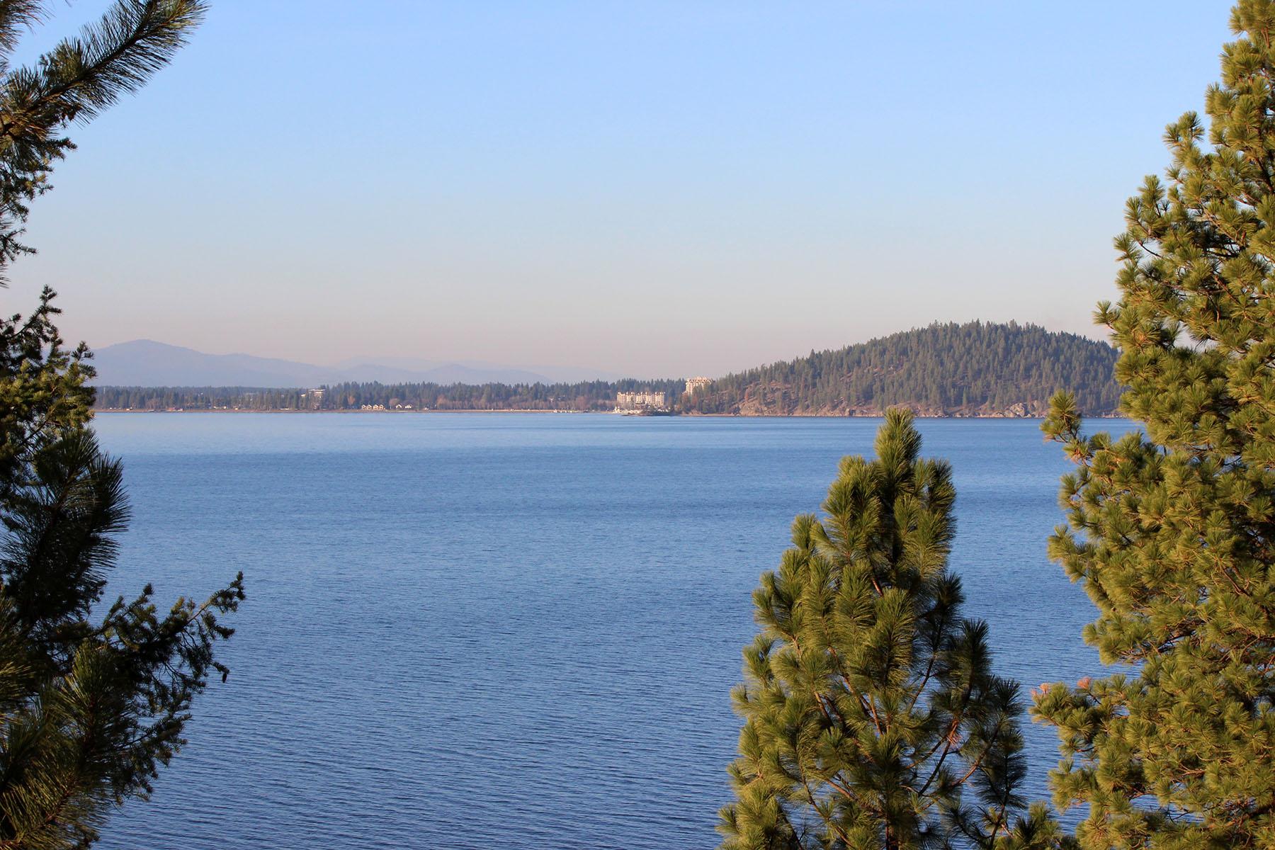 Terreno por un Venta en Vacant Land with waterfront views 5445 S Catamaran Dr Harrison, Idaho, 83833 Estados Unidos