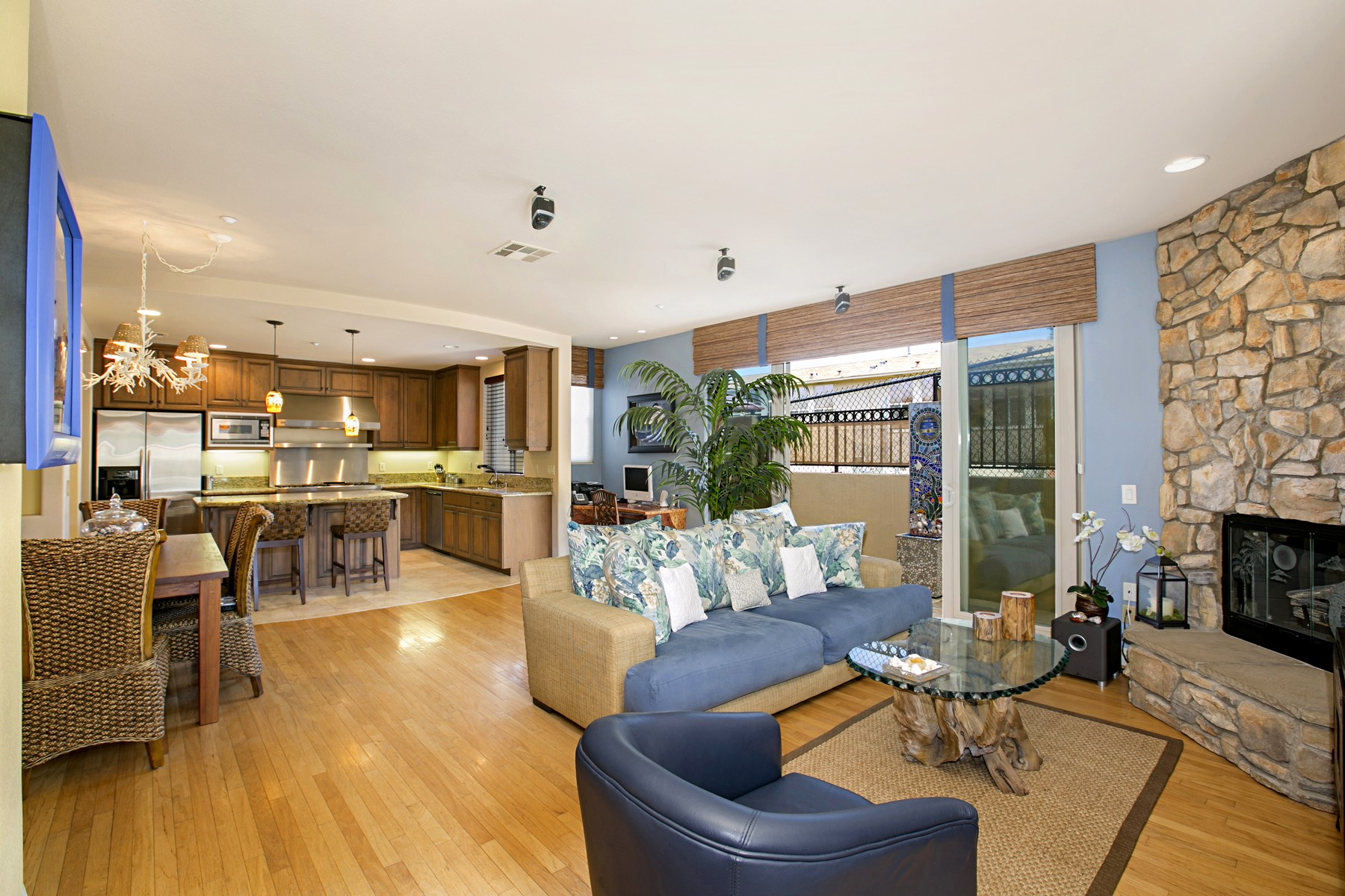 Townhouse for Sale at 307 North Rios Solana Beach, California 92075 United States