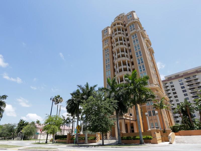 Appartement en copropriété pour l Vente à 600 Coral Way 600 Coral Way 3 Coral Gables, Florida 33134 États-Unis