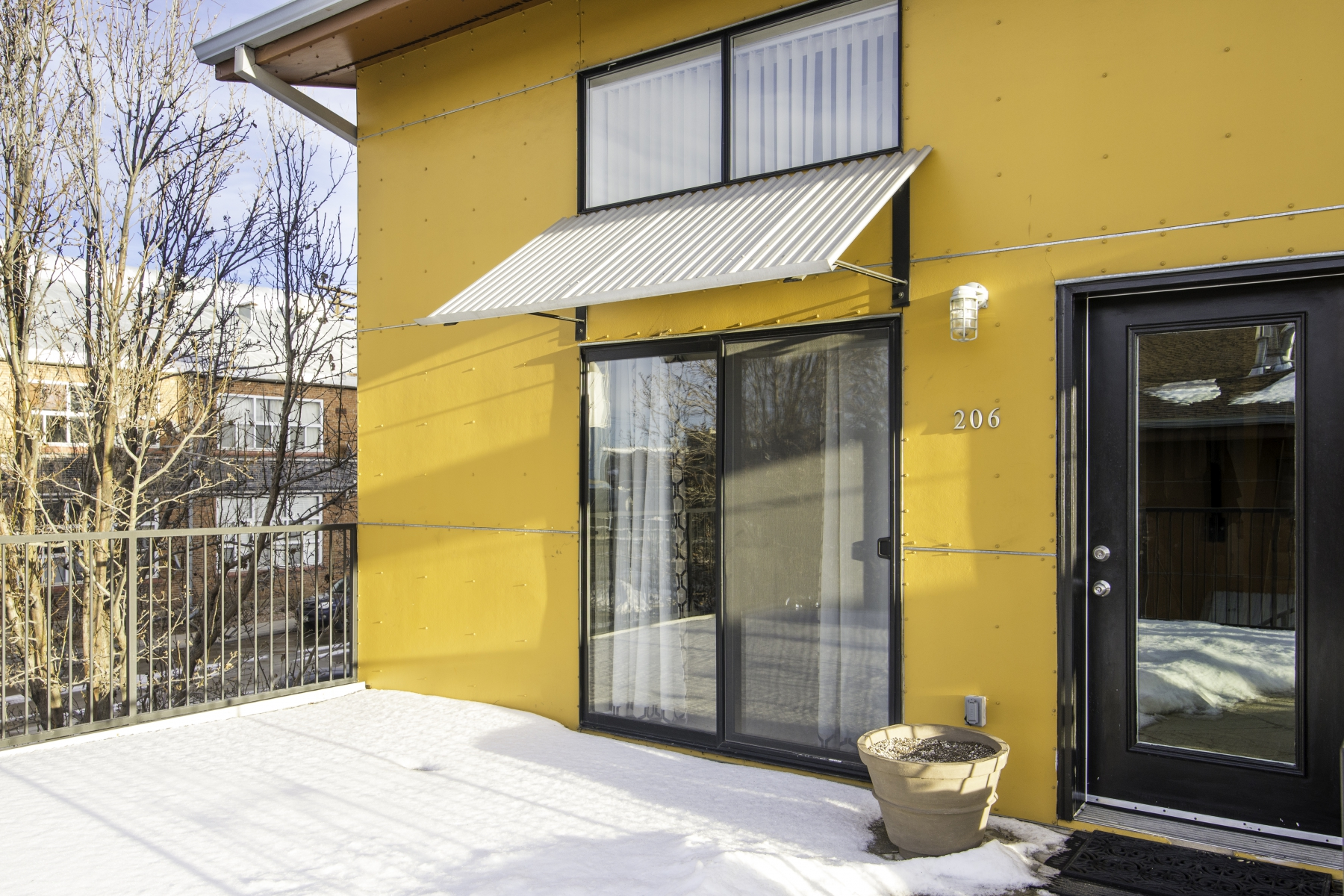 Condominium for Sale at Very Cool Two-Story Corner Unit Loft 3295 Blake Street #206 Denver, Colorado 80205 United States