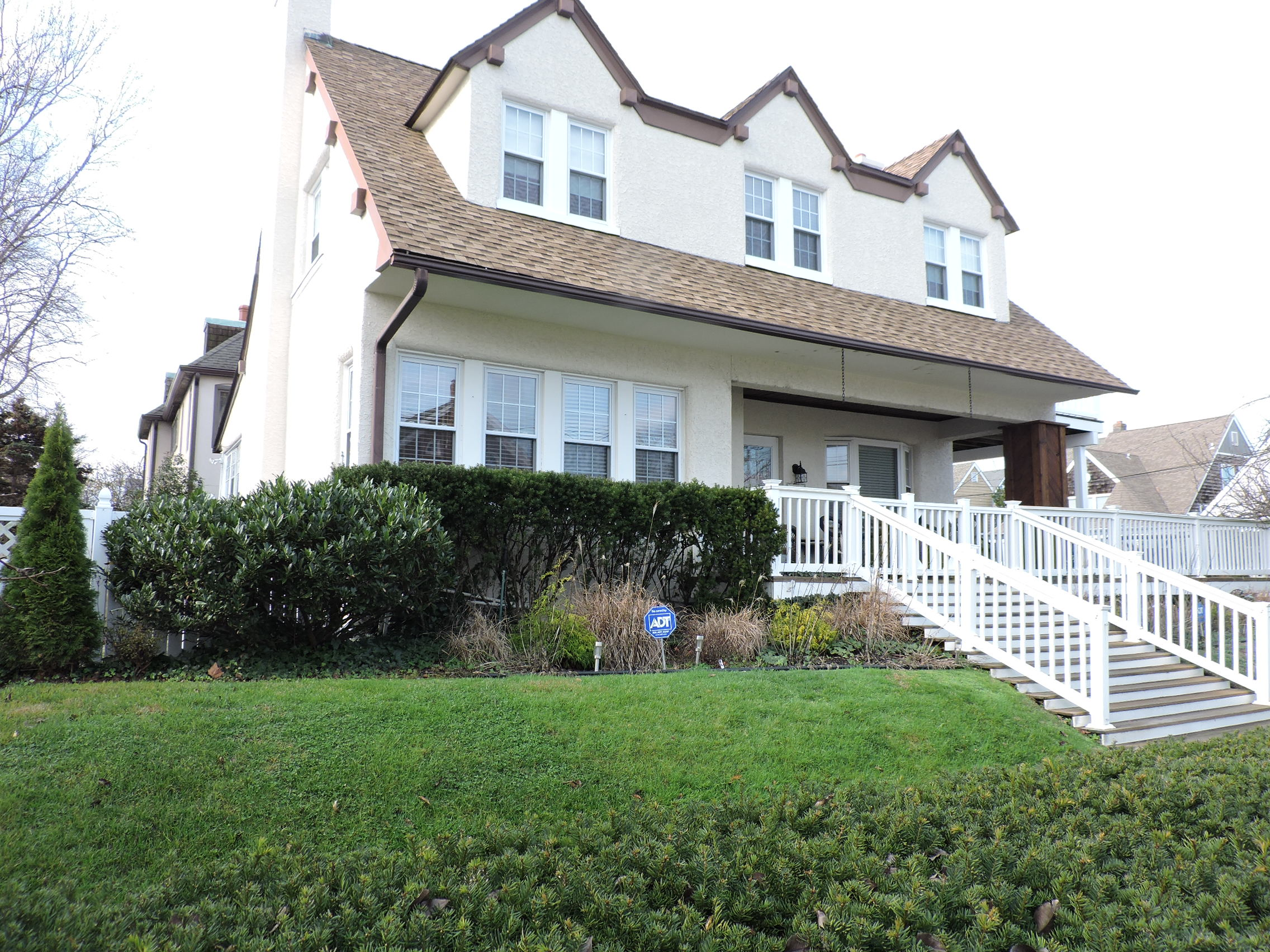 Single Family Home for Sale at 4 N Dorset Ave Ventnor, New Jersey 08406 United States