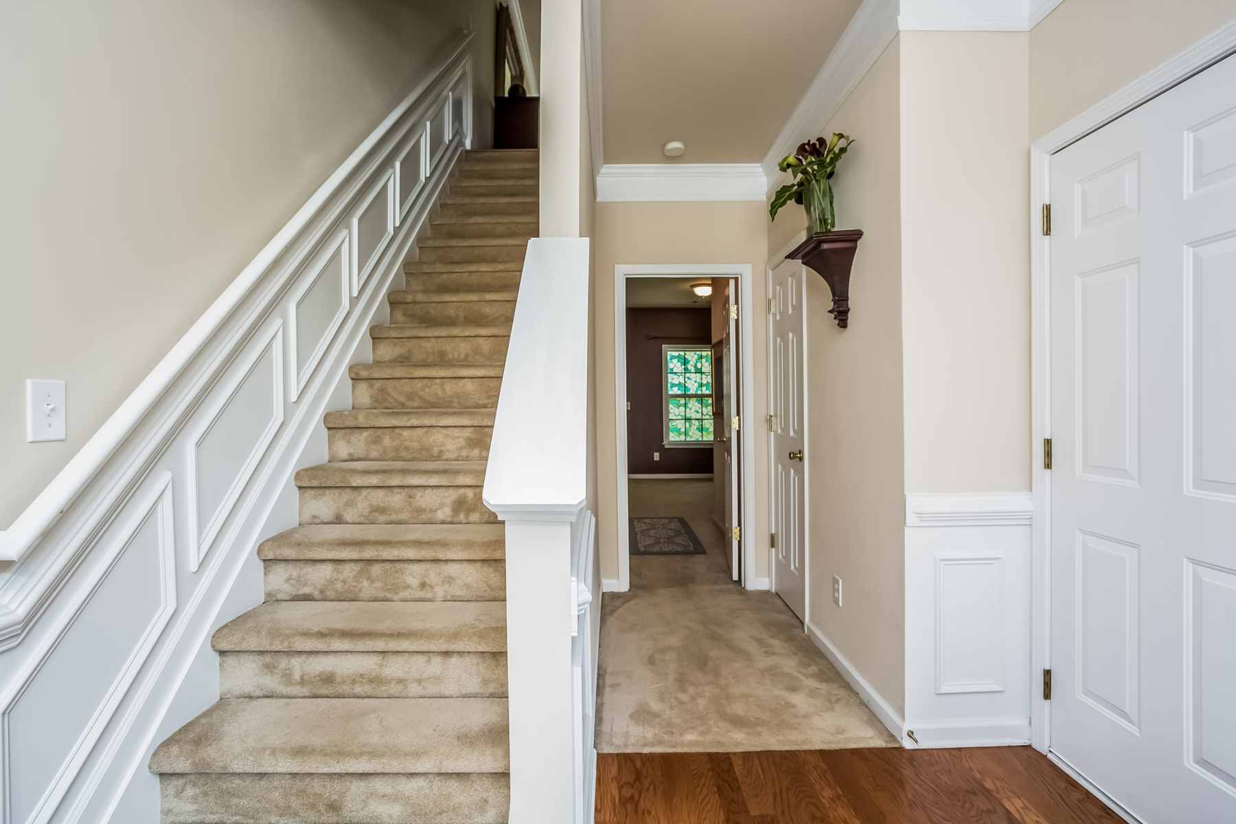 Additional photo for property listing at Multi-level Townhome In A Beautiful Community 5117 Wellsley Bend Alpharetta, Georgië 30005 Verenigde Staten