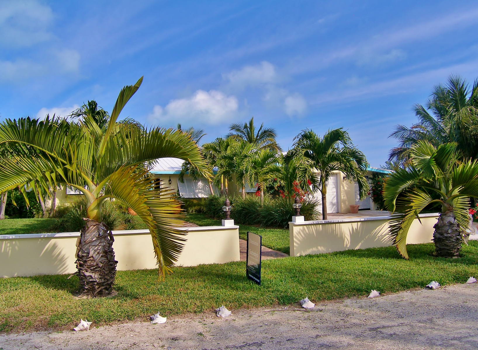 Additional photo for property listing at Yellow Fin House Brigantine Bay, Treasure Cay, Abaco Bahamas