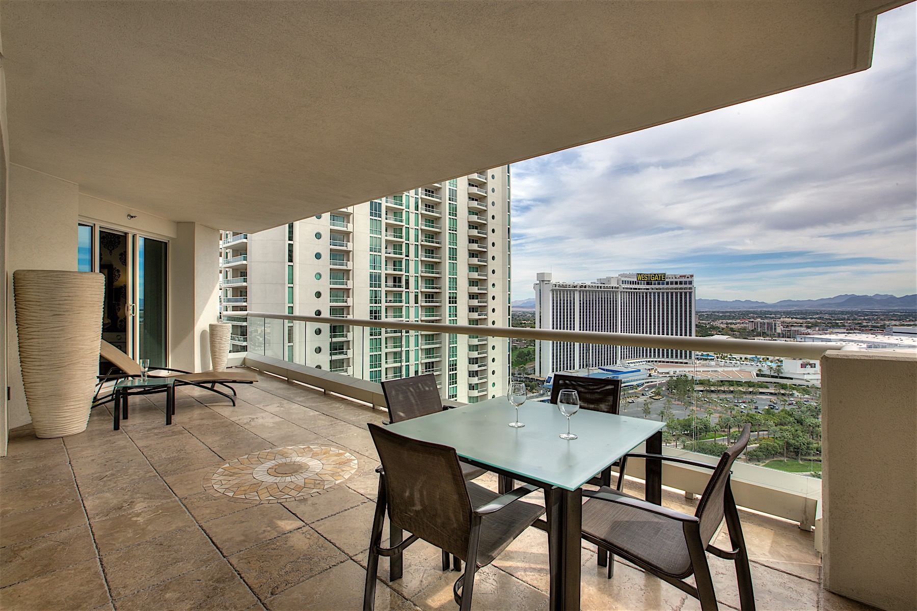 Apartment for Sale at 2747 Paradise, 2403 Las Vegas, Nevada, 89109 United States
